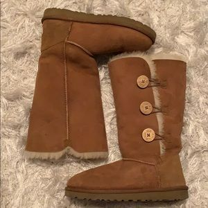 Uggs wooden buttons